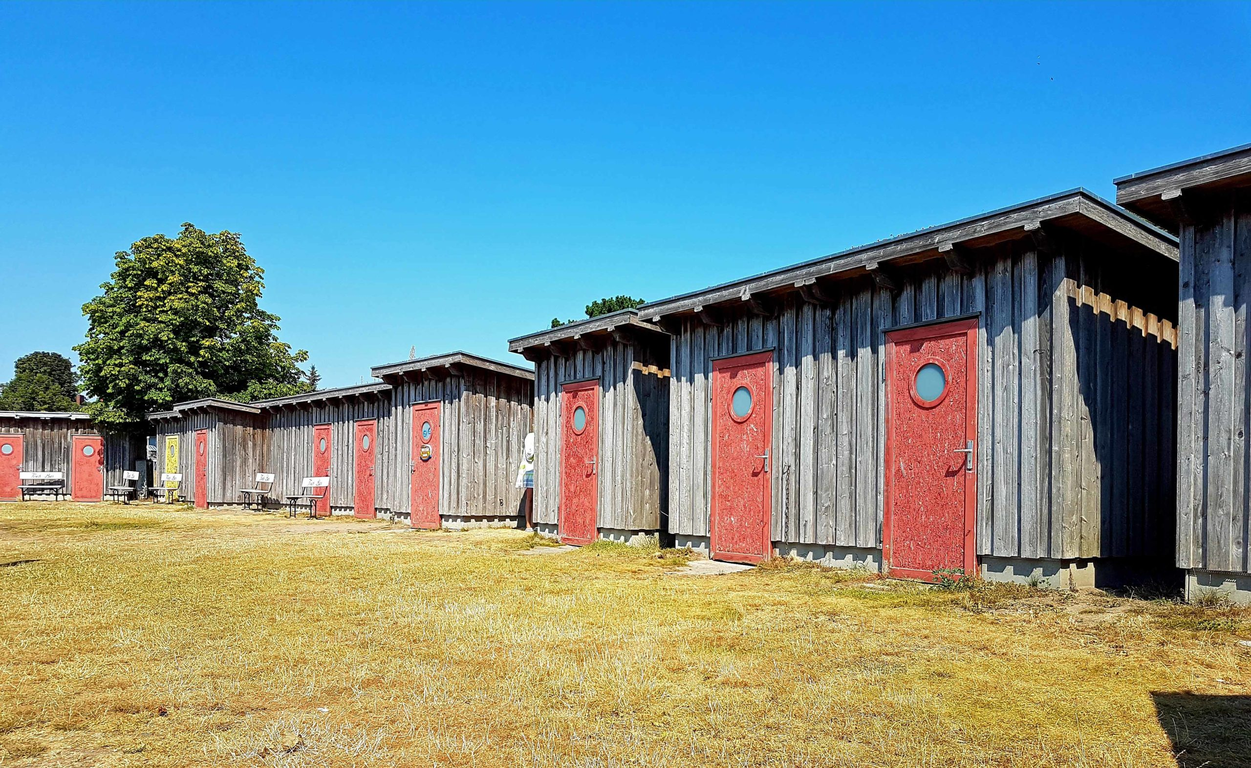 Niendorf Hütten mit roten Türen