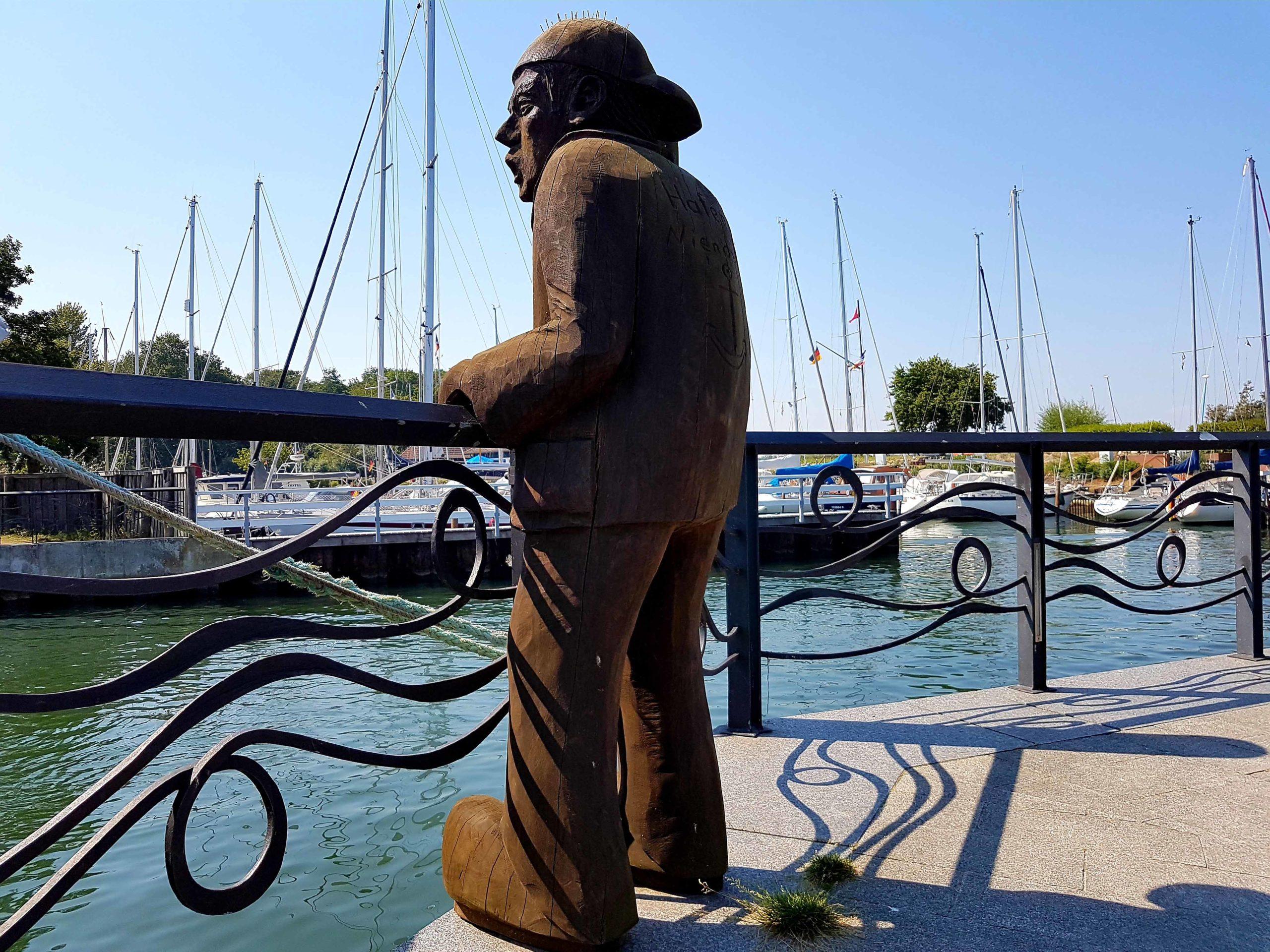 Niendorf Skulptur Fischer