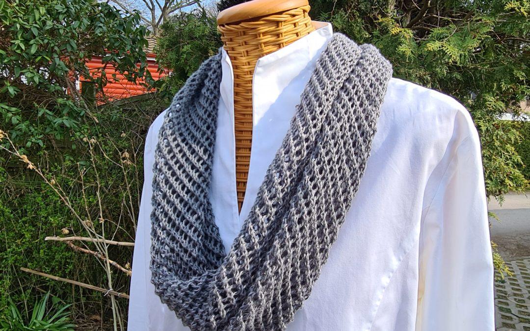 Sommerlicher Loopschal – Netzmuster grau- reine Baumwolle